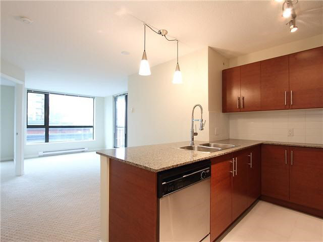 Photo 3: 1008 833 AGNES STREET in NEW WEST: Downtown NW Condo for sale (New Westminster)  : MLS® # V1136034
