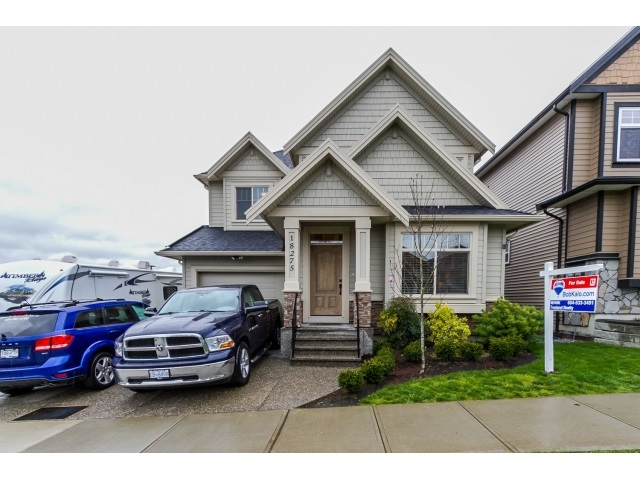 Main Photo: 18275 67 AVENUE in Surrey: Cloverdale BC House for sale (Cloverdale)  : MLS®# R2046948