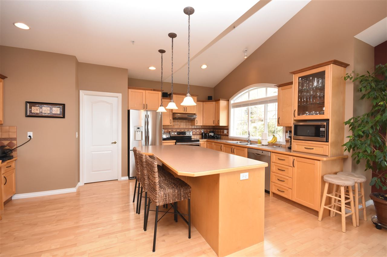 Photo 2: 35784 REGAL PARKWAY in Abbotsford: Abbotsford East House for sale : MLS(r) # R2049958