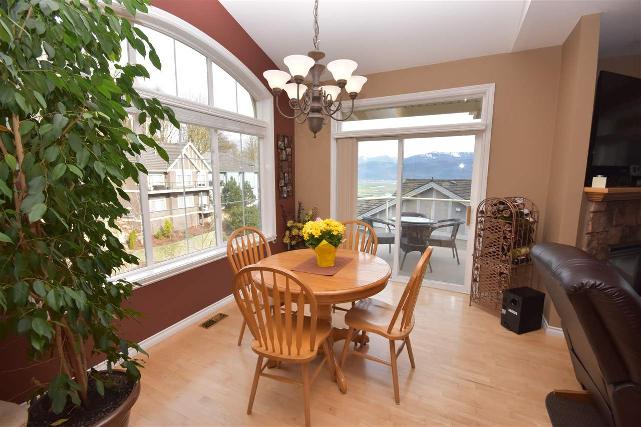 Photo 5: 35784 REGAL PARKWAY in Abbotsford: Abbotsford East House for sale : MLS(r) # R2049958