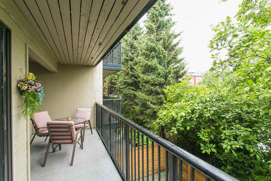 Photo 8: 208 2545 LONSDALE AVENUE in North Vancouver: Upper Lonsdale Condo for sale : MLS(r) # R2084963