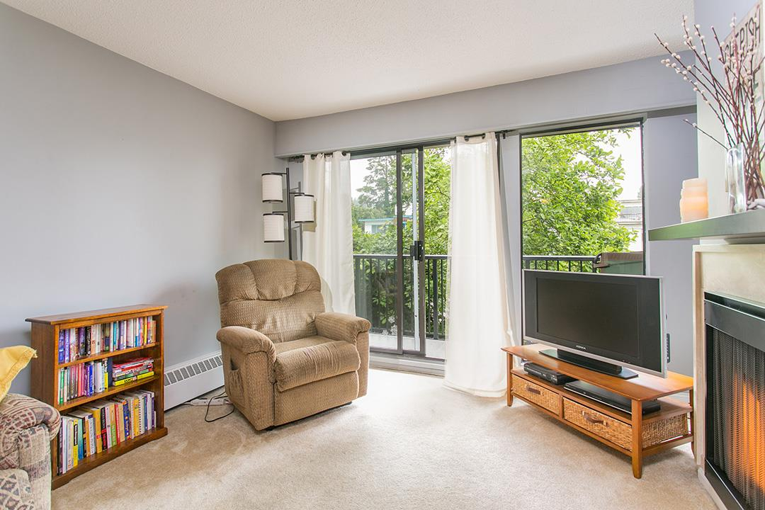 Photo 3: 208 2545 LONSDALE AVENUE in North Vancouver: Upper Lonsdale Condo for sale : MLS(r) # R2084963
