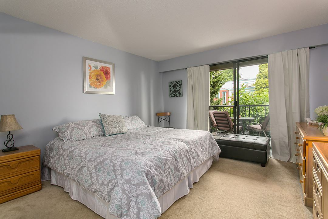 Photo 6: 208 2545 LONSDALE AVENUE in North Vancouver: Upper Lonsdale Condo for sale : MLS(r) # R2084963