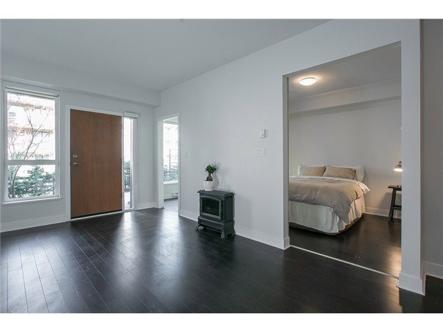Photo 5: # 106 2020 W 12TH AV in Vancouver: Kitsilano Condo for sale (Vancouver West)  : MLS(r) # V1049052