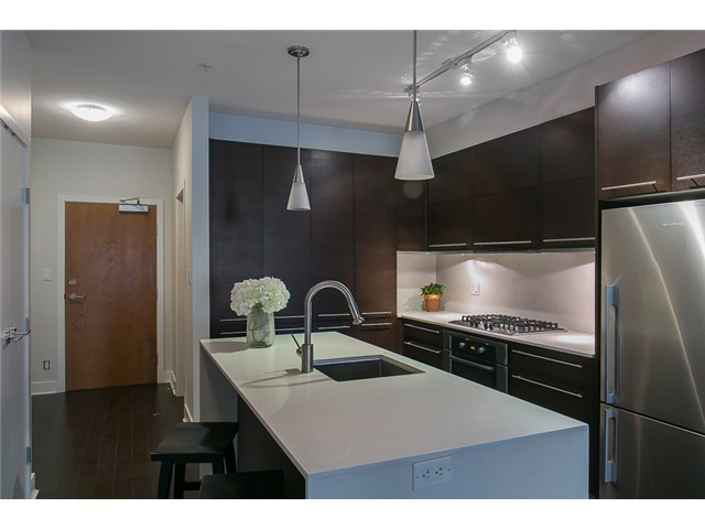 Main Photo: # 106 2020 W 12TH AV in Vancouver: Kitsilano Condo for sale (Vancouver West)  : MLS®# V1049052