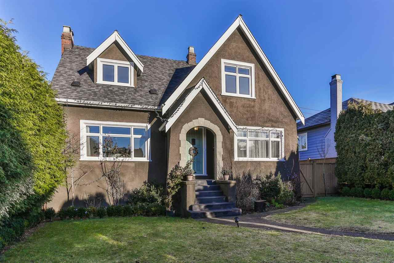 Main Photo: 2525 W 16TH AVENUE in Vancouver: Kitsilano House for sale (Vancouver West)  : MLS®# R2021814