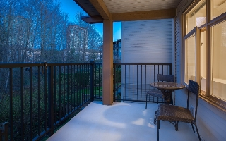 Main Photo: 205 300 KLAHANIE DRIVE in Port Moody: Condo for sale : MLS® # R2046915
