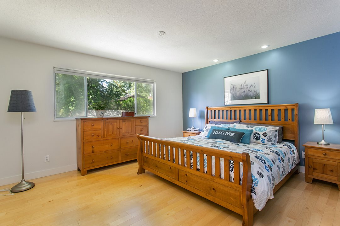 Photo 10: 3383 ROBINSON ROAD in North Vancouver: Lynn Valley House for sale : MLS(r) # R2096046