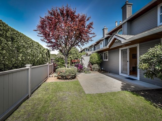Main Photo:  in : Panorama Ridge Townhouse for sale (Surrey)  : MLS® # R2059880
