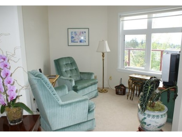 Photo 5: Somerset Green View Condo
