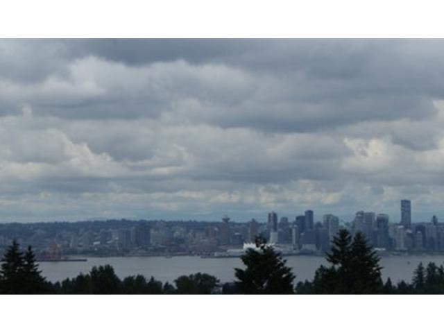 FEATURED LISTING: 417 - 121 29TH Street West North Vancouver