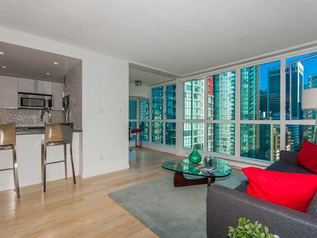 "Main Photo: 2005 1238 MELVILLE Street in Vancouver: Coal Harbour Condo for sale in ""POINTE CLAIRE"" (Vancouver West)  : MLS®# V975090"