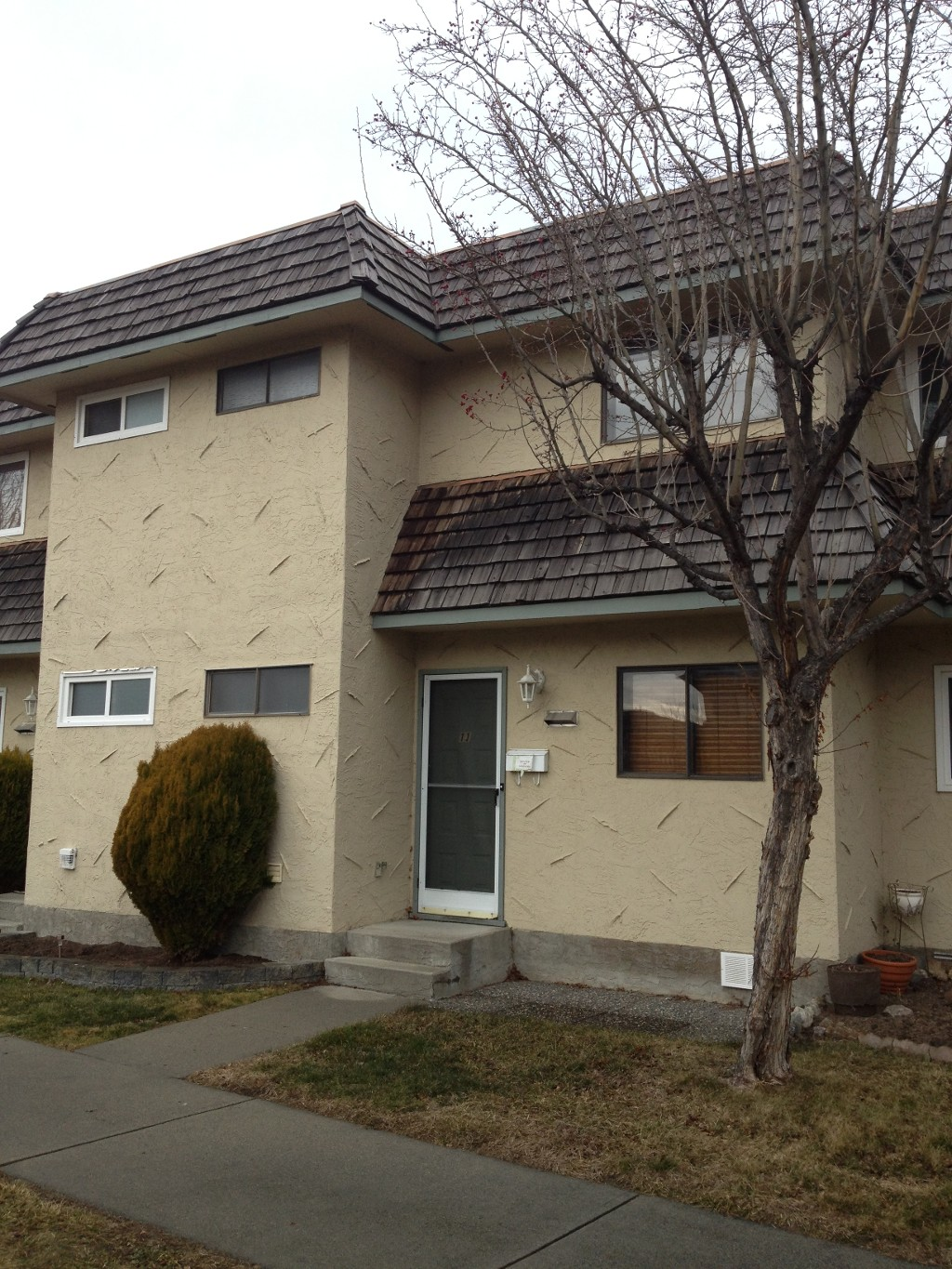 Main Photo: 11 45 W Green Avenue in Penticton: Main South Residential Attached for sale : MLS(r) # 141418