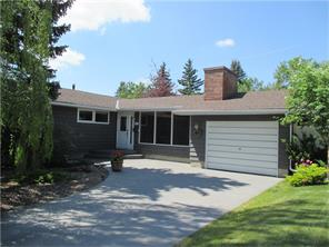 Photo 2: 6443 LAURENTIAN WY SW in Calgary: North Glenmore Park House for sale : MLS® # C4072498