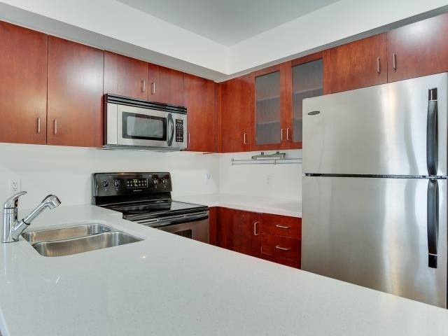 Photo 7: 50 East Liberty St Unit #1107 in Toronto: Niagara Condo for sale (Toronto C01)  : MLS(r) # C3697064