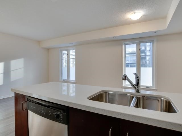 Photo 8: 50 East Liberty St Unit #1107 in Toronto: Niagara Condo for sale (Toronto C01)  : MLS(r) # C3697064