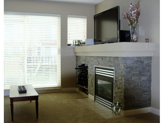"Photo 3: 32 1561 BOOTH Avenue in Coquitlam: Maillardville Townhouse for sale in ""THE COURCELLES"" : MLS® # V942779"
