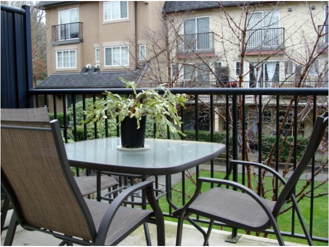 "Photo 9: 32 1561 BOOTH Avenue in Coquitlam: Maillardville Townhouse for sale in ""THE COURCELLES"" : MLS® # V942779"