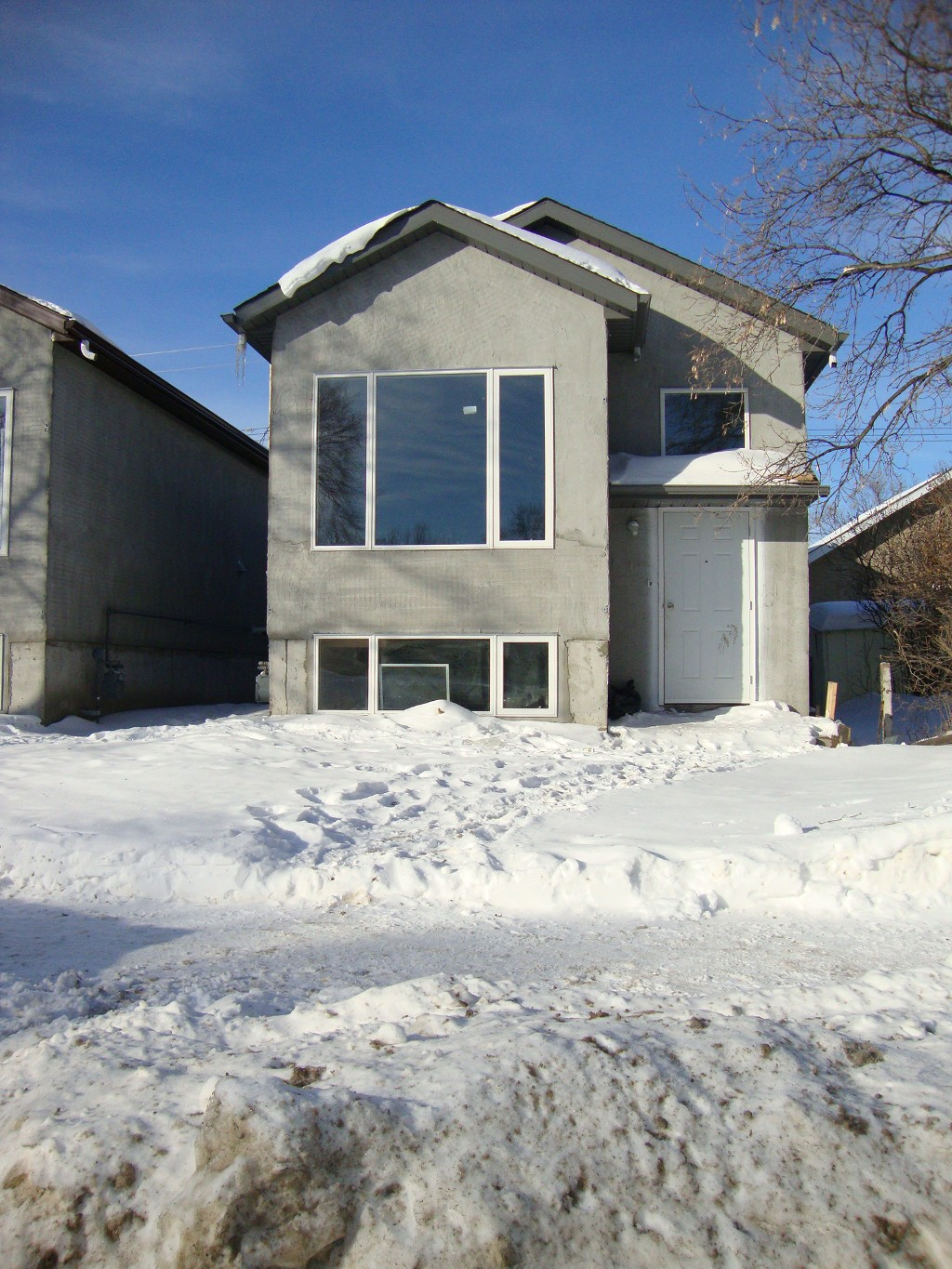 Main Photo: 308 COLLEGIATE Street in WINNIPEG: Residential for sale (ST.JAMES)