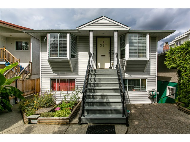Main Photo: 321 E 16TH Avenue in Vancouver: Mount Pleasant VE House for sale (Vancouver East)  : MLS® # V1023079