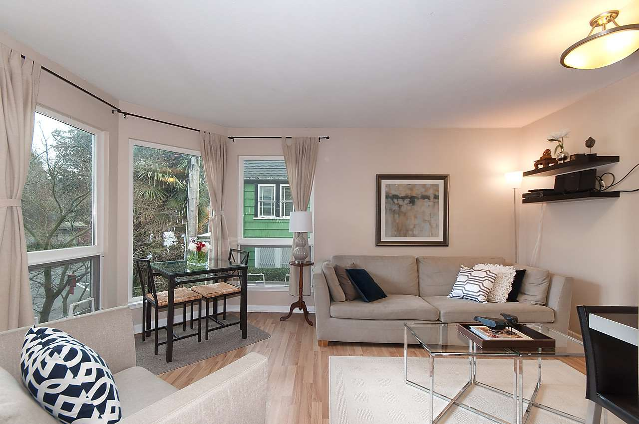 Main Photo: 201 2110 CORNWALL AVENUE in Vancouver: Kitsilano Condo for sale (Vancouver West)  : MLS® # R2039653