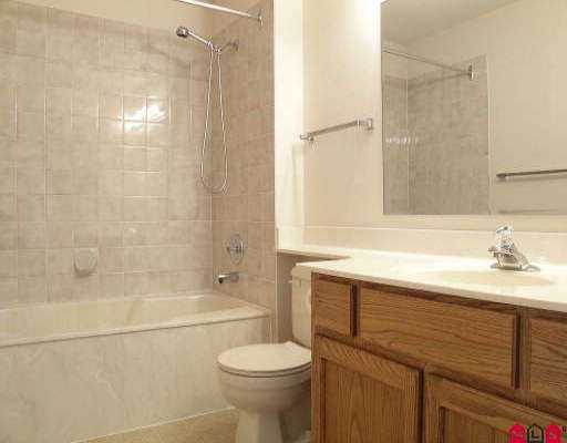 "Photo 5: 27 2989 TRAFALGAR ST in Abbotsford: Central Abbotsford Townhouse for sale in ""SUMMER WYND MEADOWS"" : MLS® # F2603618"