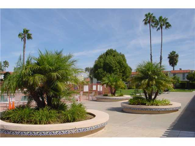 Photo 23: CLAIREMONT Townhome for sale : 2 bedrooms : 4020 Mount Acadia Boulevard in San Diego