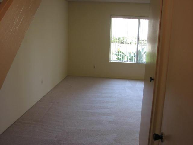 Photo 7: CLAIREMONT Townhome for sale : 2 bedrooms : 4020 Mount Acadia Boulevard in San Diego