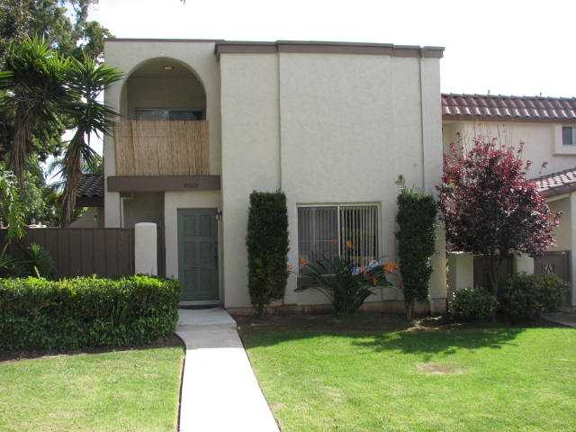 Main Photo: CLAIREMONT Townhome for sale : 2 bedrooms : 4020 Mount Acadia Boulevard in San Diego