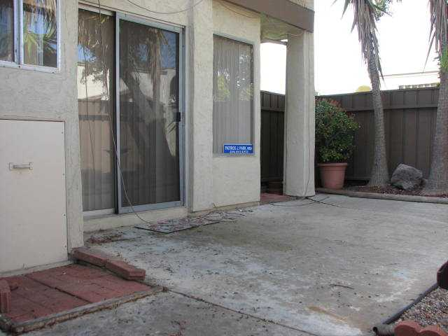 Photo 3: CLAIREMONT Townhome for sale : 2 bedrooms : 4020 Mount Acadia Boulevard in San Diego