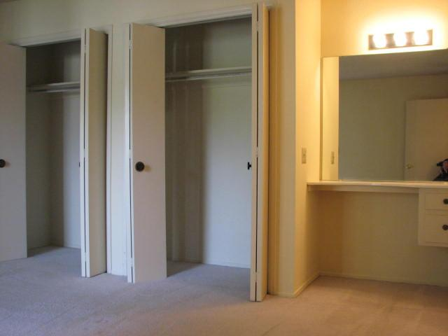 Photo 14: CLAIREMONT Townhome for sale : 2 bedrooms : 4020 Mount Acadia Boulevard in San Diego