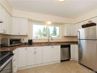 Main Photo: 957 Preston Way in VICTORIA: La Langford Proper Residential for sale (Langford)  : MLS® # 329255