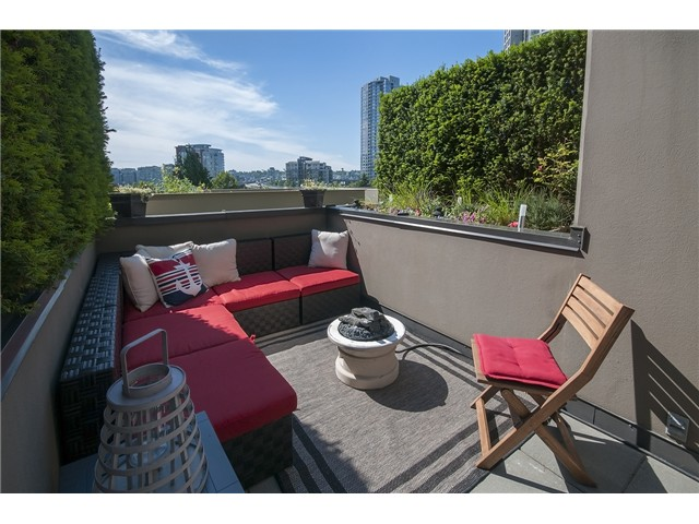 Main Photo: 967 BEATTY ST in Vancouver: Yaletown Condo for sale (Vancouver West)  : MLS® # V1073614