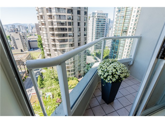 Photo 10: # 1003 717 JERVIS ST in Vancouver: West End VW Condo for sale (Vancouver West)  : MLS® # V1078061