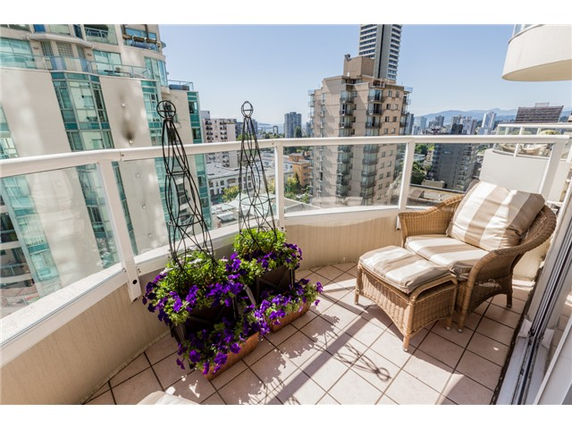 Photo 5: # 1003 717 JERVIS ST in Vancouver: West End VW Condo for sale (Vancouver West)  : MLS® # V1078061