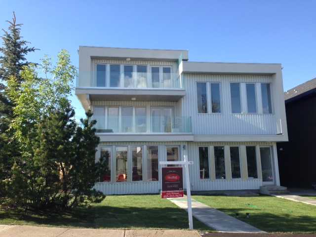 Main Photo: 1940 32 Avenue SW in Calgary: Residential Attached for sale : MLS(r) # C3623427