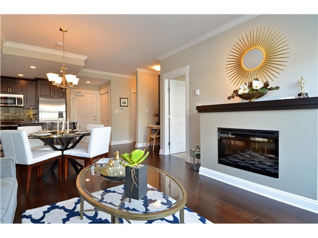 Photo 3: # 210 15310 17A AV in Surrey: King George Corridor Condo for sale (South Surrey White Rock)  : MLS® # F1422636