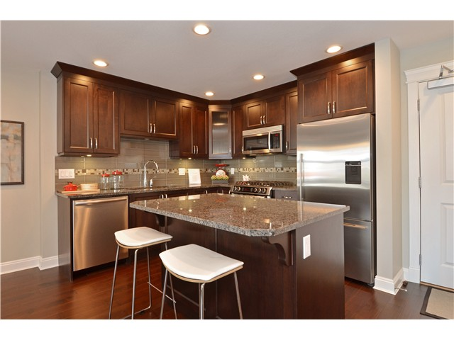Photo 5: # 210 15310 17A AV in Surrey: King George Corridor Condo for sale (South Surrey White Rock)  : MLS(r) # F1422636