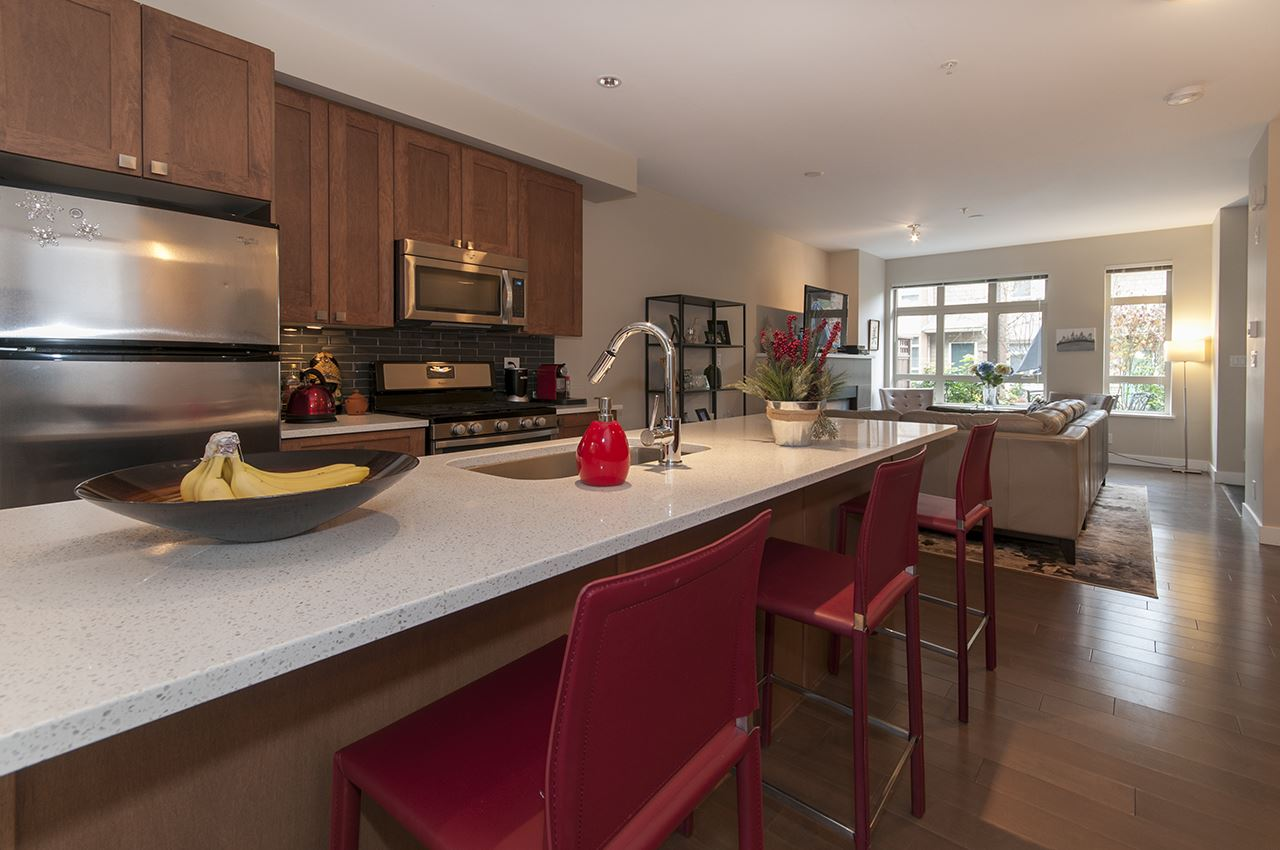 Main Photo: 3362 MT SEYMOUR PARKWAY in North Vancouver: Northlands Townhouse for sale : MLS®# R2022071