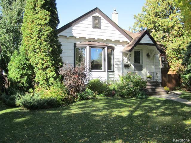 Photo 2: 130 Cavell Drive in Winnipeg: Bruce Park Single Family Detached for sale (West Winnipeg)  : MLS® # 1603353