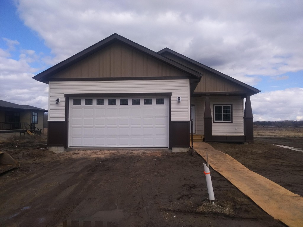 Main Photo: 35 Rockhaven Way in Whitecourt: House for sale : MLS® # 43208