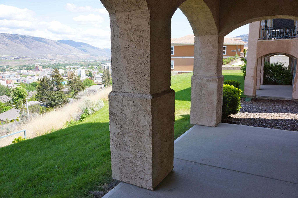 Photo 27: Beautiful Kamloops View Home
