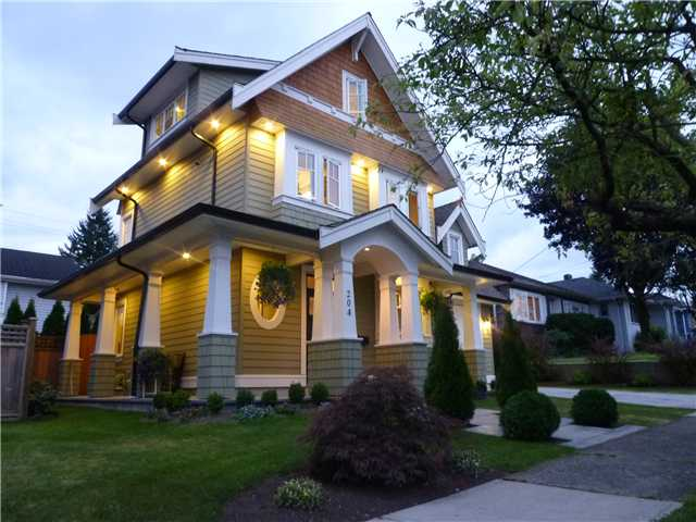 Photo 2: Beautiful Heritage Style home Newly Built in 2009 in Desirable Glenbrooke North New Westminster