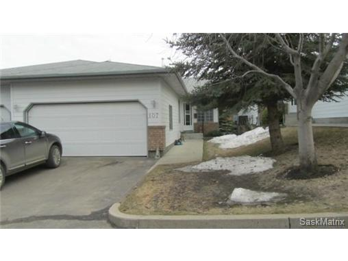 Main Photo: 107 306 La Ronge Road in Saskatoon: Lawson Heights Condominium for sale (Saskatoon Area 03)  : MLS(r) # 461178