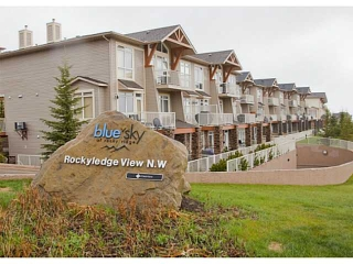 Main Photo: 4 140 ROCKYLEDGE View NW in CALGARY: Rocky Ridge Ranch Stacked Townhouse for sale (Calgary)  : MLS® # C3569954