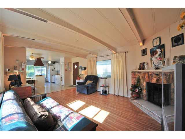 Photo 5: 18 8560 156 STREET in Surrey: Fleetwood Tynehead Manufactured Home for sale : MLS® # R2042111