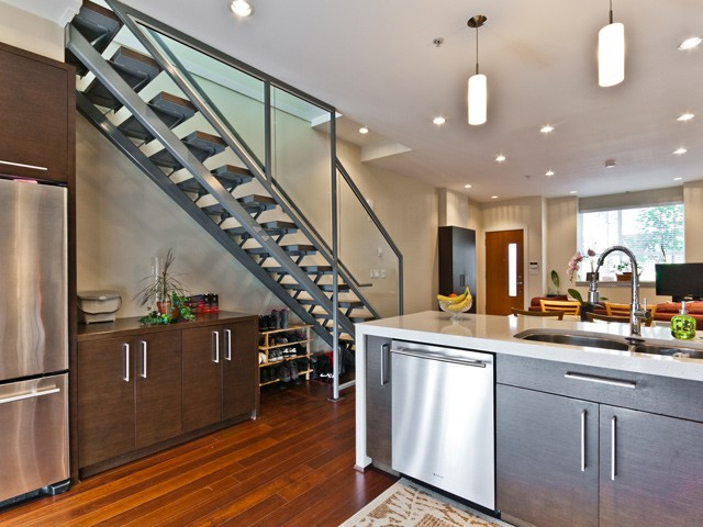"Main Photo: 6 2188 W 8TH Avenue in Vancouver: Kitsilano Townhouse for sale in ""CANVAS"" (Vancouver West)  : MLS® # V972339"