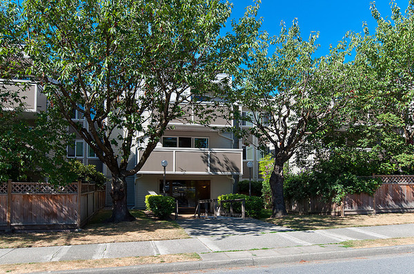 Main Photo: # 309 1775 W 11TH AV in Vancouver: Fairview VW Condo for sale (Vancouver West)  : MLS®# V1027238