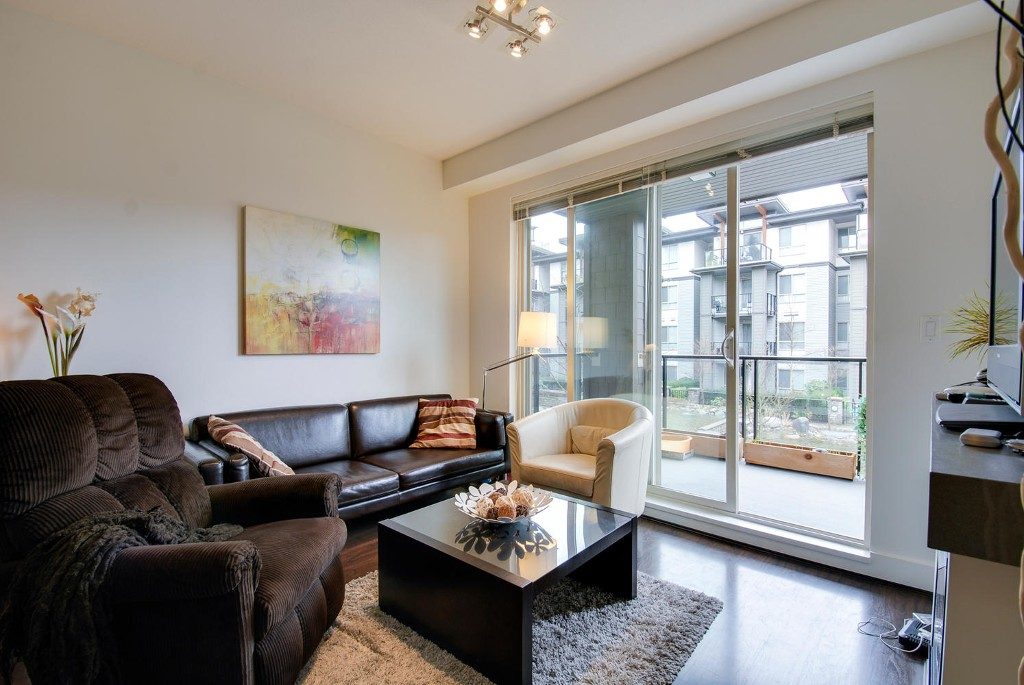 Photo 8: # 213 7428 BYRNEPARK WK in Burnaby: South Slope Condo for sale (Burnaby South)  : MLS(r) # V1050179