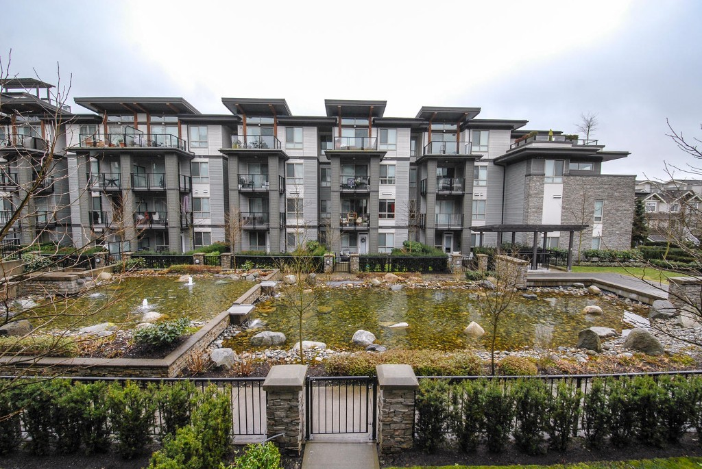 Photo 11: # 213 7428 BYRNEPARK WK in Burnaby: South Slope Condo for sale (Burnaby South)  : MLS(r) # V1050179